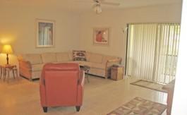 Living Room 902 - 2