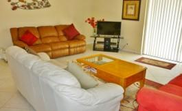 4 living room 502 (800x600)