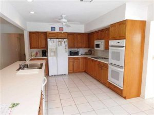 2186 DC Large Open Kitchen