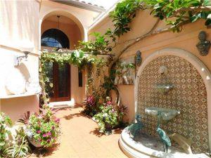 561 Via Verona Entrance Garden